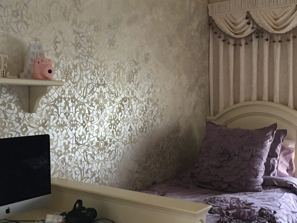 Allover [attern-Bedroom-faux-wall finish